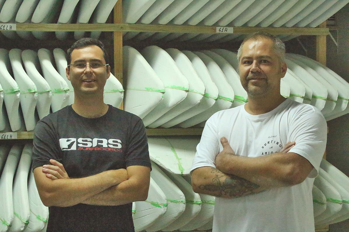 O shaper na fábrica em Florianópolis. Foto: Ezequiel Gringo