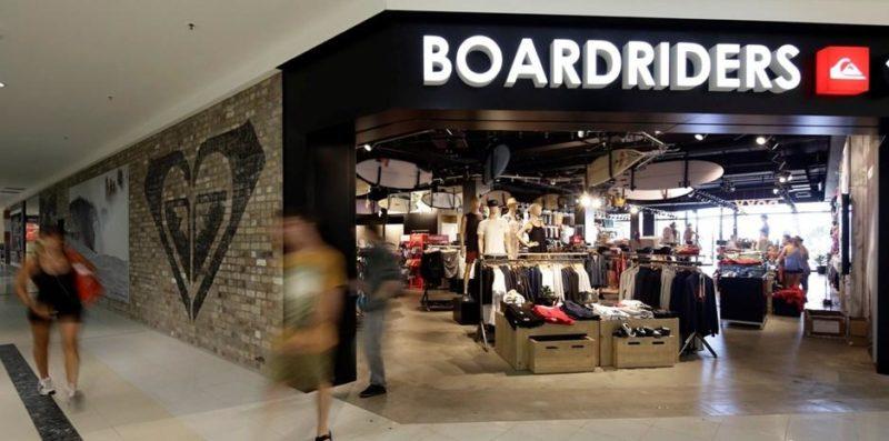 ... sua denominação social para Boardriders, Inc. O novo nome envolve todas  as marcas ícones dos esportes radicais da empresa – Quiksilver, Roxy e DC  Shoes ... 9846bf7a21