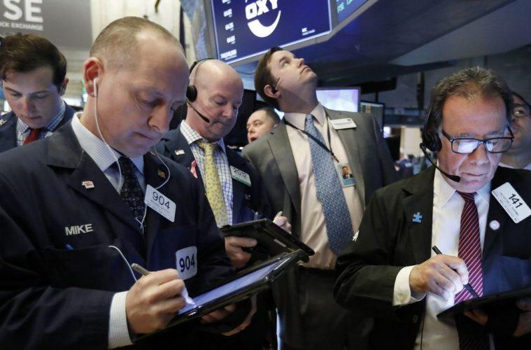 Traders negociam ações do grupo dono de Quiksilver e Billabong