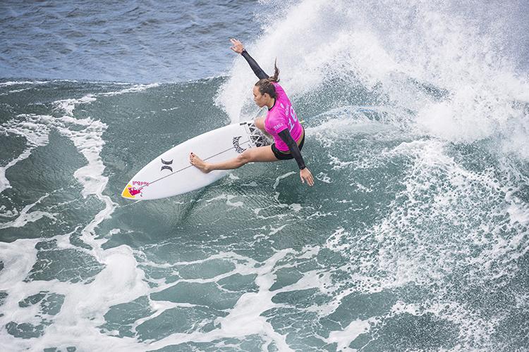 premiação, oferecida pela pela Surf Industry Manufacturers Association (SIMA), homenageará a tetra campeã mundial Carissa Moore Waterman do Ano