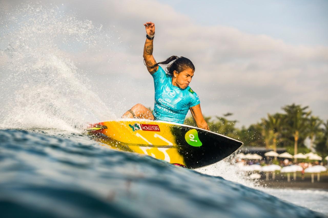 Silvana Lima na etapa de Keramas do CT
