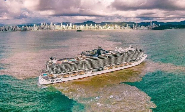 Navios de cruzeiro despejam grandes quantidades de lixo no mar