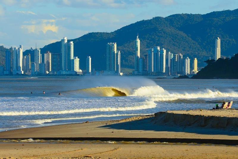 surf volta a ser proibido em Itajaí
