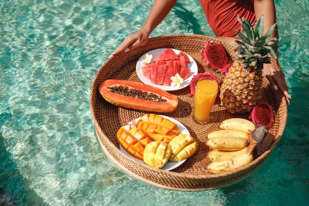 Cinco dicas de nutrição para o surfista: ingestão de água; o que comer antes e depois do surf; o poder das sementes e muito mais; confira
