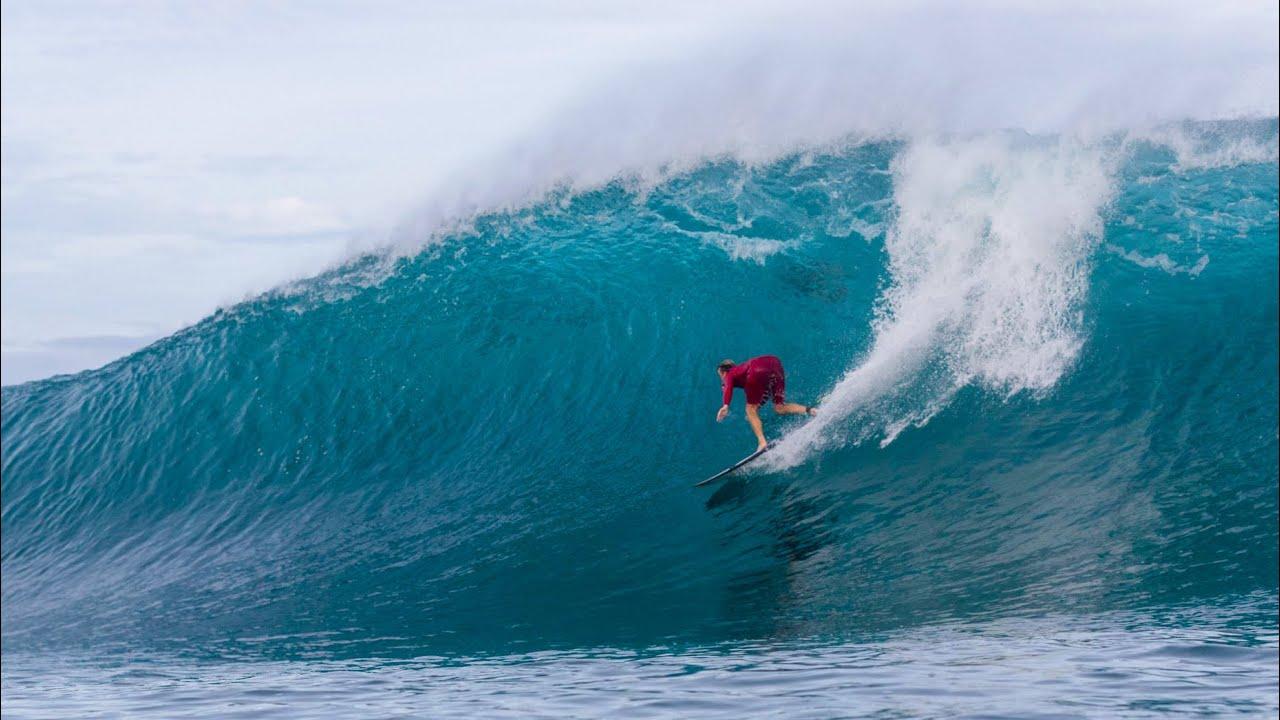 Jamie O'Brien abre a temporada havaiana a todo vapor