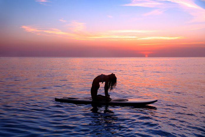 Quatro posturas de yoga para ter mais energia