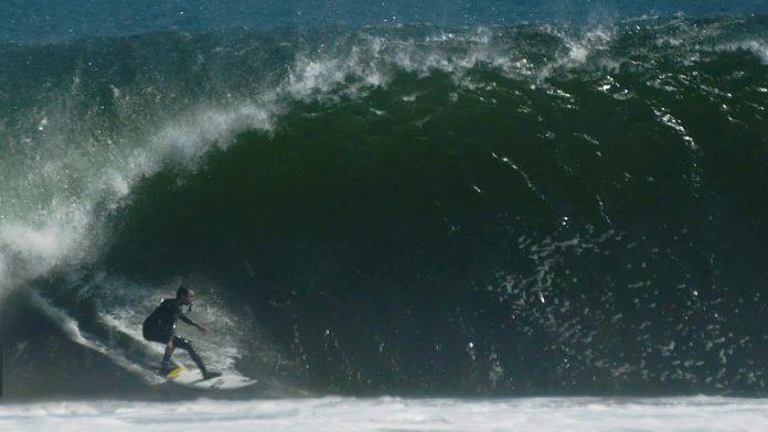 Brett Barley entre Skeleton Bay e o Havaí. VÍDEO