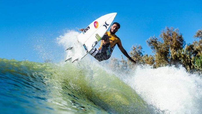 Filipe Toledo é o campeão do Surf Ranch Pro