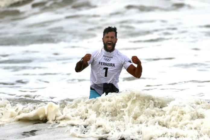 Medalha de Italo inspira surfistas mirins de Baía Formosa