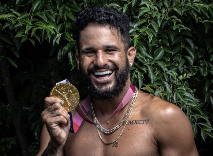 Italo chega no Brasil e já pensa no mundial: 'começar a treinar'