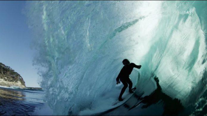 Surfista da equipe de Dane Reynolds e Craig Anderson lança clipe