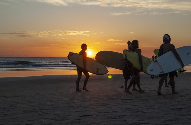 5 destinos para surf trips ao redor do mundo