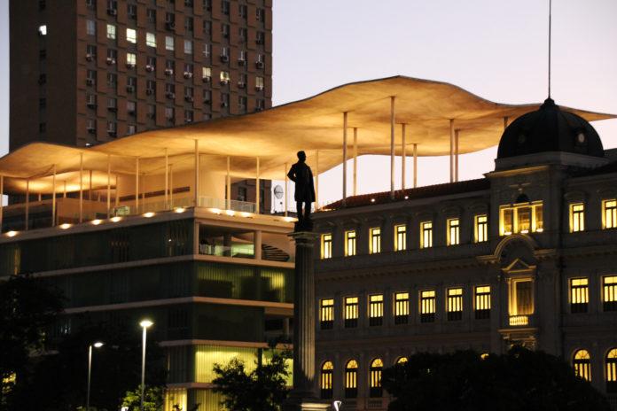 rampa de skate no museu de arte do Rio