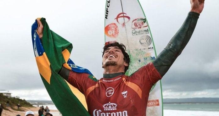 Gabriel Medina é tricampeão mundial em Trestles